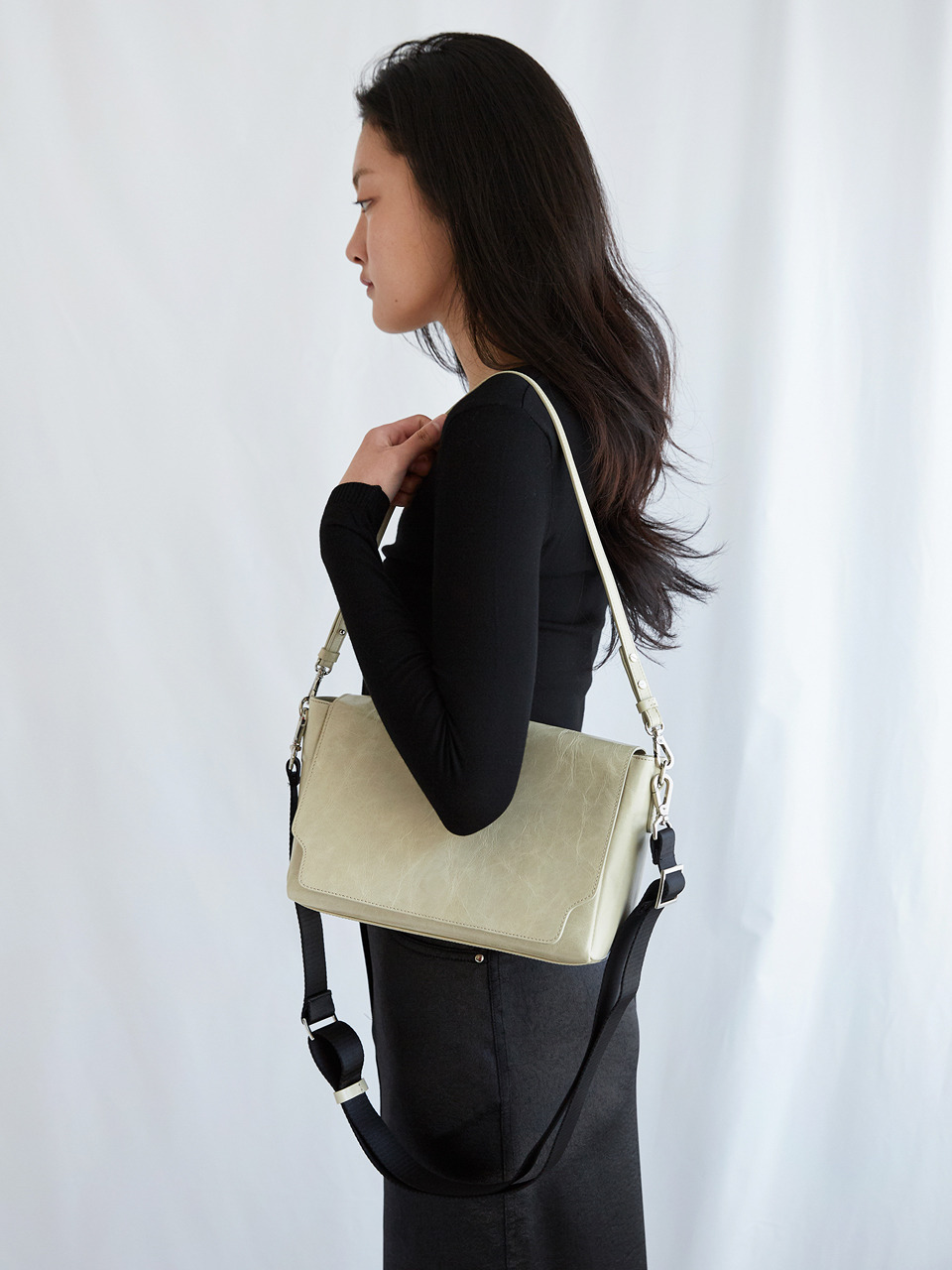 BUTTER MESSENGER_beige