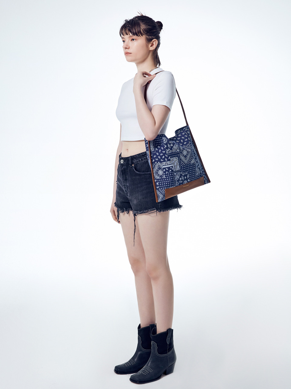 [20SUMMER] JOY SHOPPER PAISLEY_navy